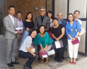 La misión japonesa a las puertas del Museo del Vino de Valdepeñas